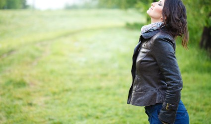 woman-breathing-in-fresh-air-425x250.jpg